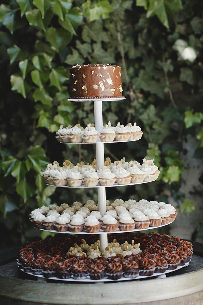 cupcake tower | Heather Elizabeth Photography | Glamour & Grace