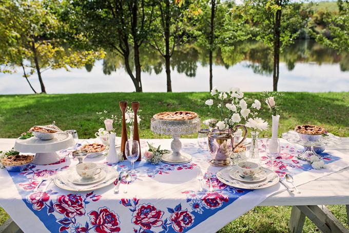 retro summer wedding | Christy McKee Photography | Glamour & Grace