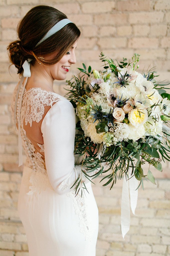lush oversized bouquet | Leah Fontaine Photography | Glamour & Grace