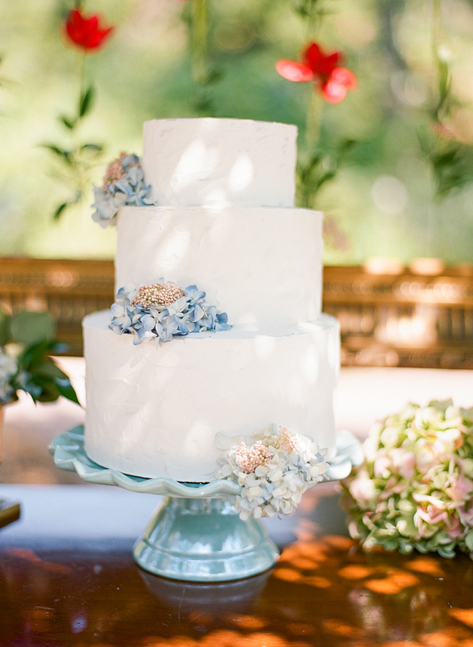 romantic blue cake | Emily Katharine Photography | Glamour & Grace