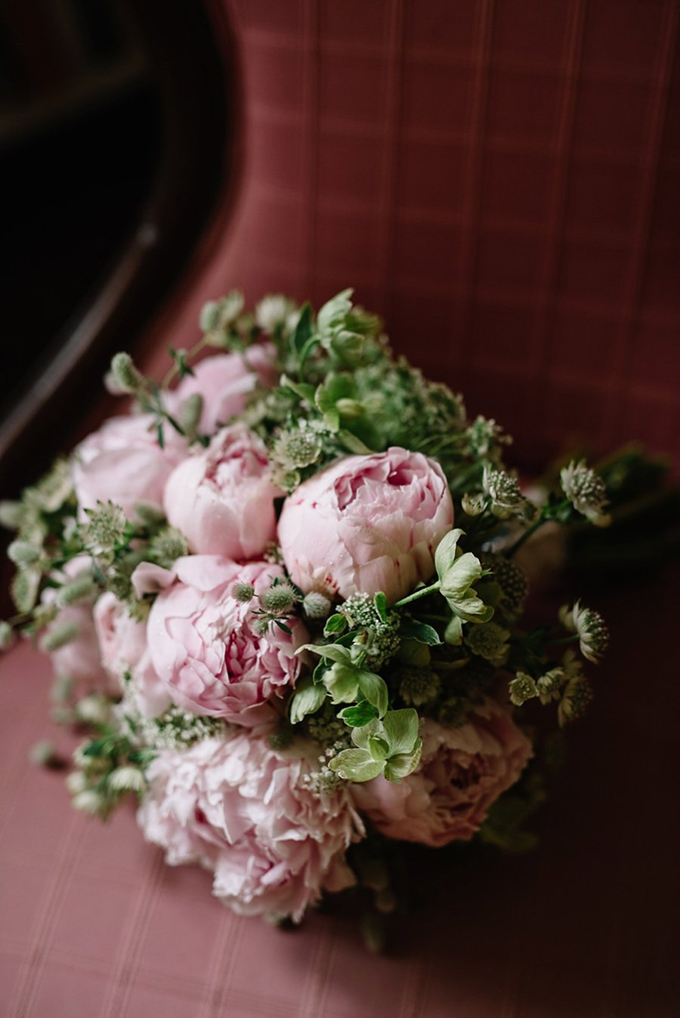 pink peony bouquet | Lindsay Hackney | Glamour & Grace