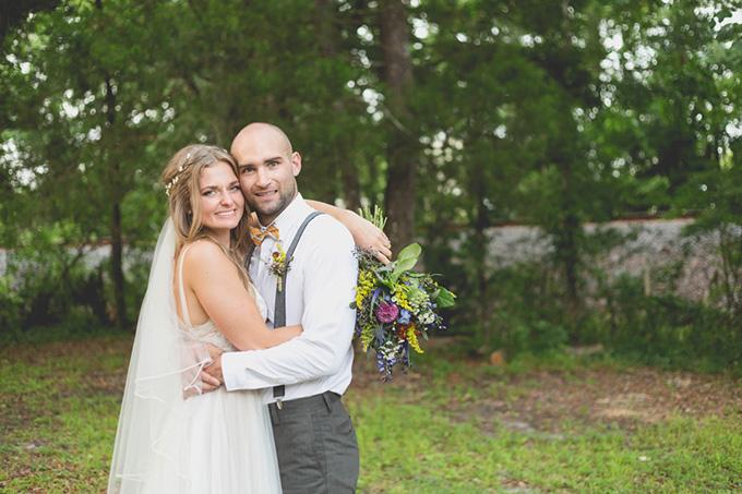 rustic farmhouse wedding | Susan Dixon Photography | Glamour & Grace