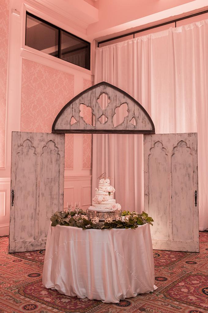 vintage blush wedding | Elizabeth Henson Photos | Glamour & Grace