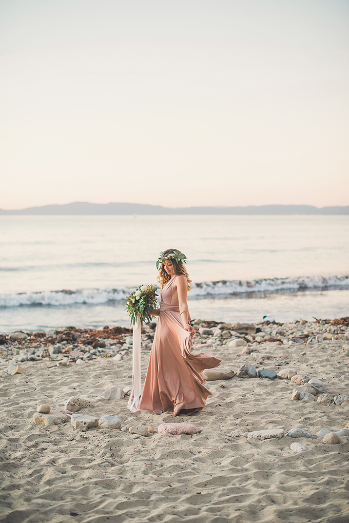 seaside picnic engagement session | Sun & Sparrow | Glamour & Grace