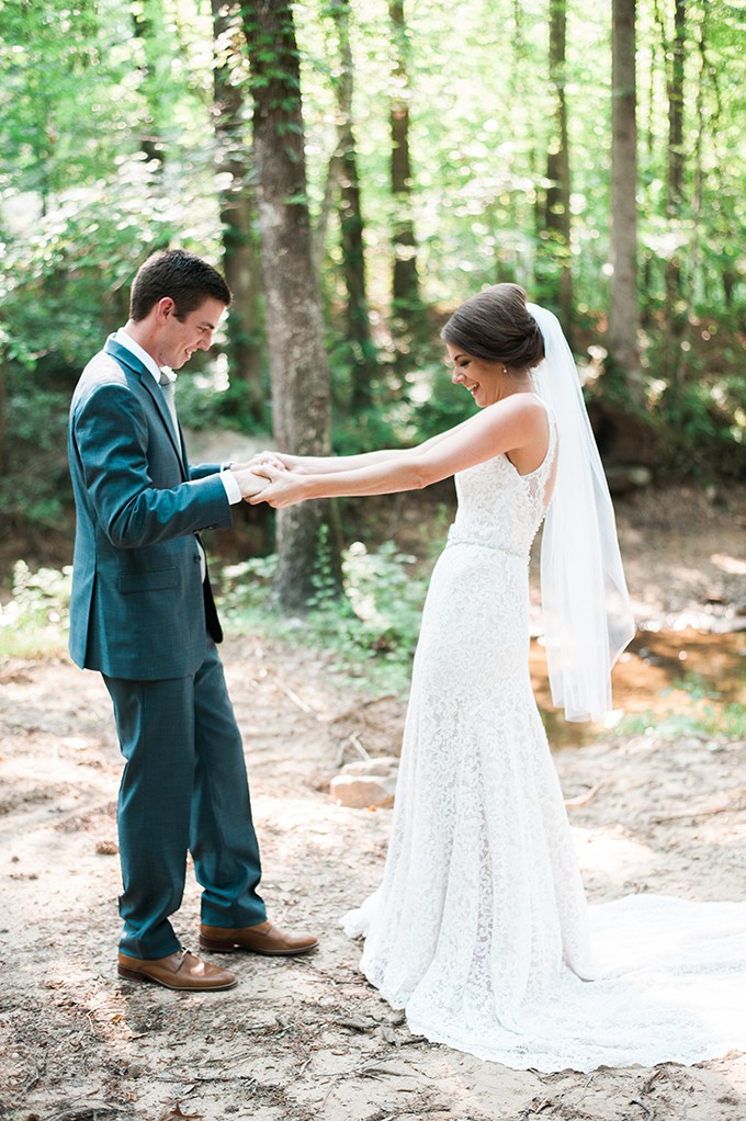 elegant cliffside Southern wedding | Cotton & Clover Photography | Glamour & Grace-15