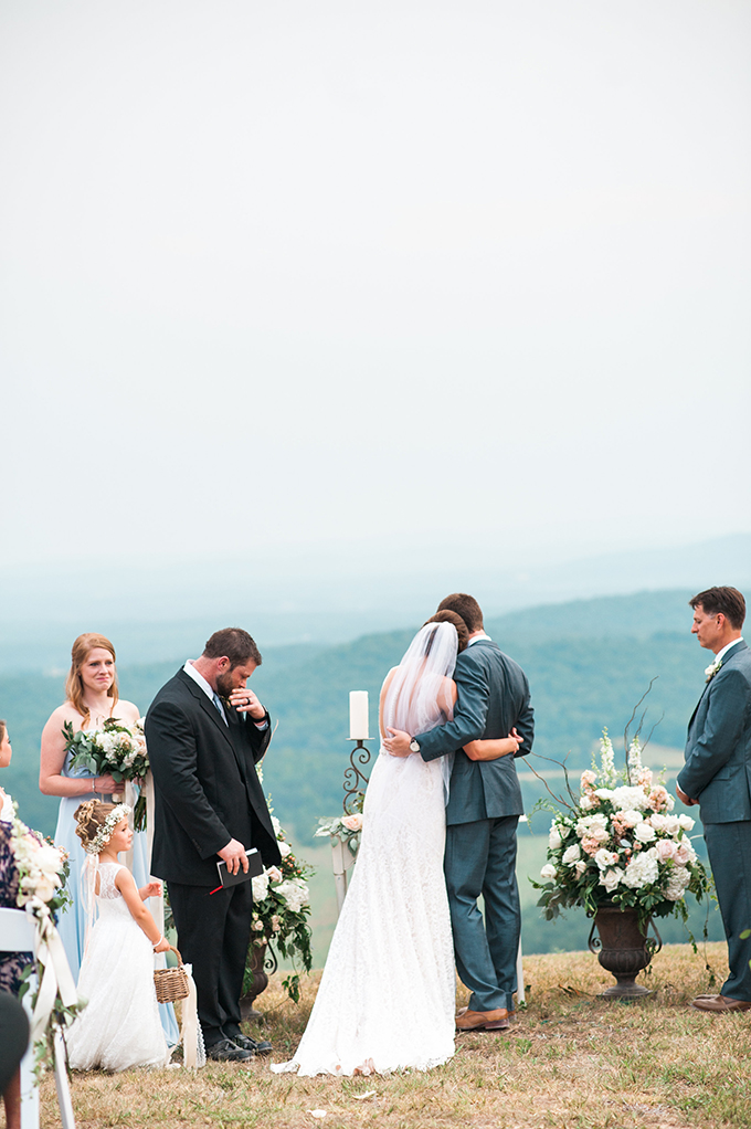 elegant cliffside Southern wedding | Cotton & Clover Photography | Glamour & Grace-26