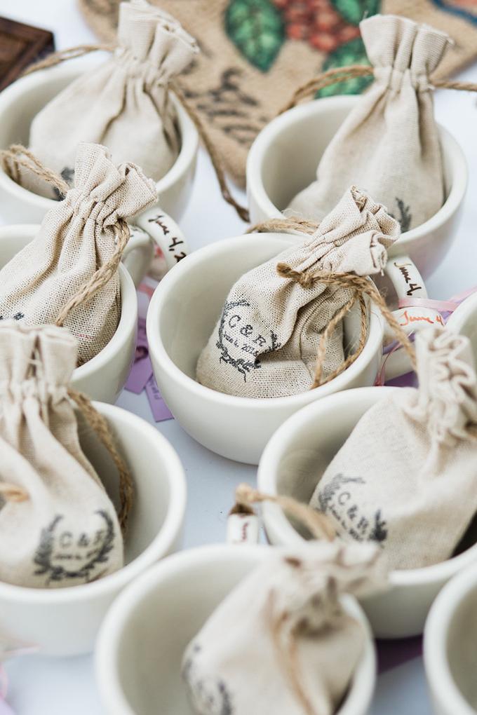 coffee wedding favors | Casto Photography & Cinema | Glamour & Grace