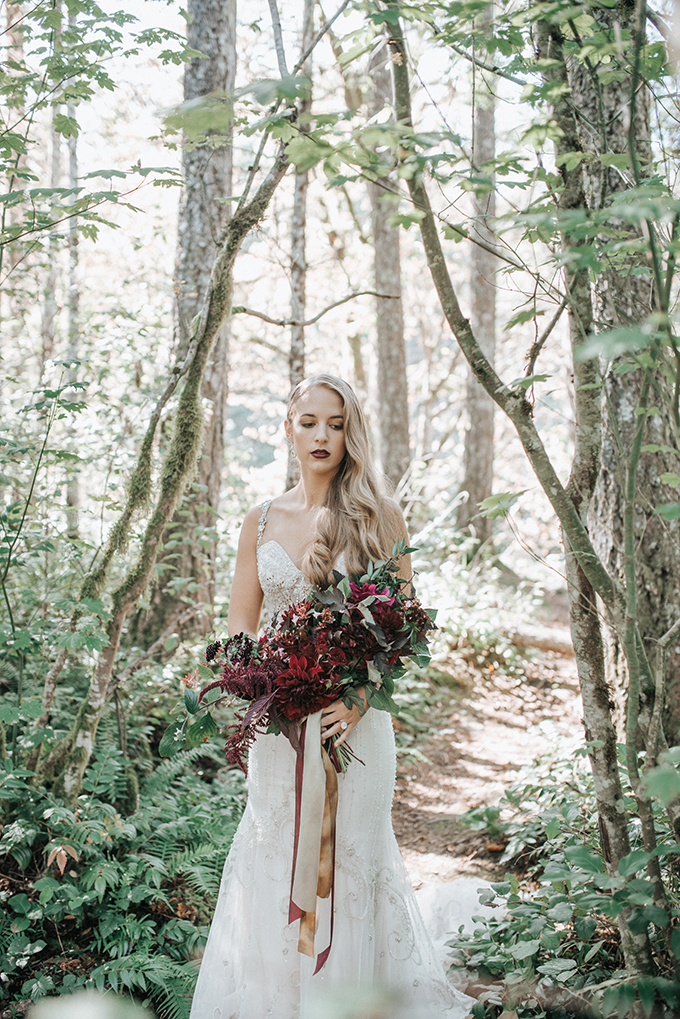 autumn 1930's vintage wedding inspiration | Mossfloor Photography | Glamour & Grace