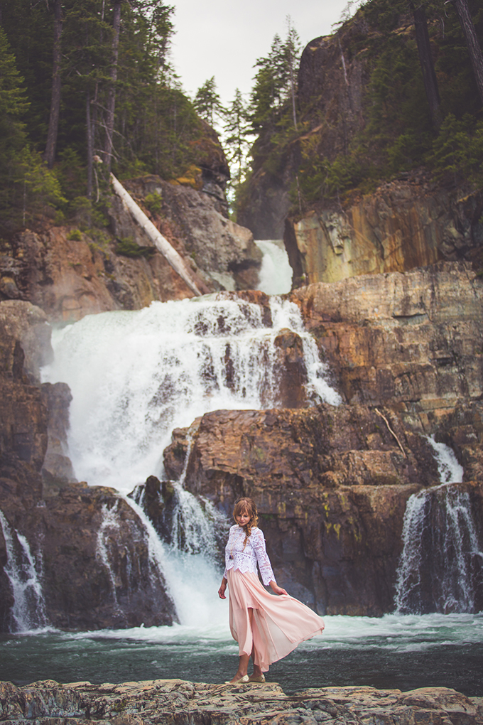 whimsical waterfall elopement | Chelsea Dawn Photography & Makeup Artistry | Glamour & Grace-02