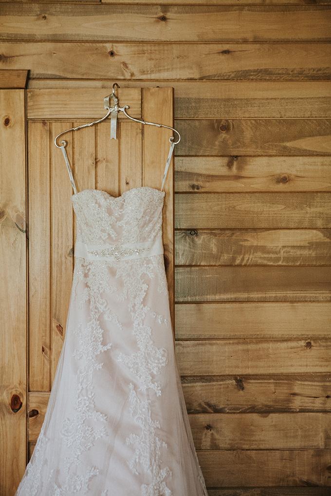 intimate lodge wedding | Jay & Jess Photography | Glamour & Grace-01