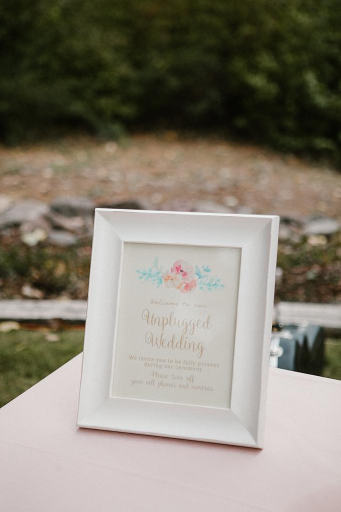 intimate lodge wedding   Jay & Jess Photography   Glamour & Grace-10