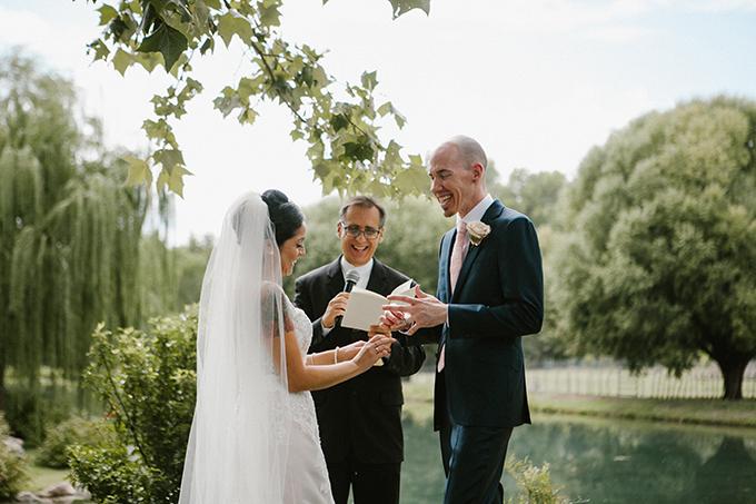 intimate lodge wedding | Jay & Jess Photography | Glamour & Grace-14