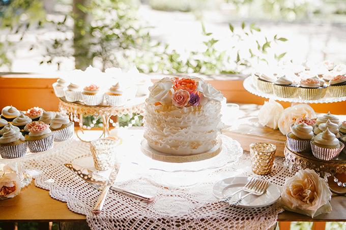 intimate lodge wedding | Jay & Jess Photography | Glamour & Grace-37