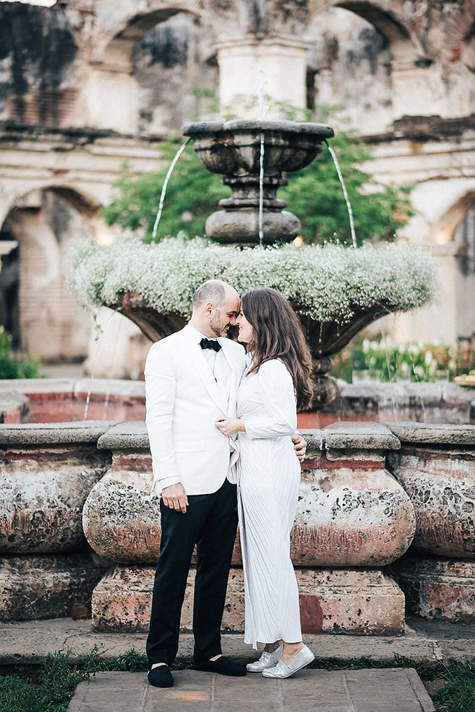 romantic Guatemala destination wedding | Daniel Lopez Perez Photography | Glamour & Grace-19