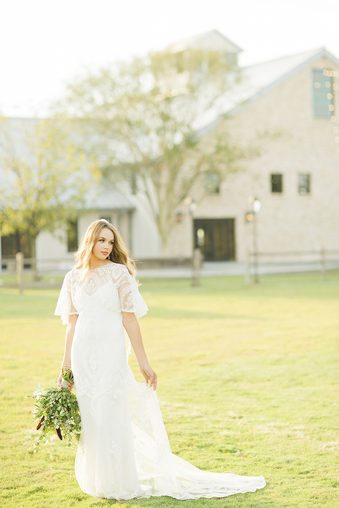 intimate family focused wedding inspiration | Cotton Weddings | Glamour & Grace