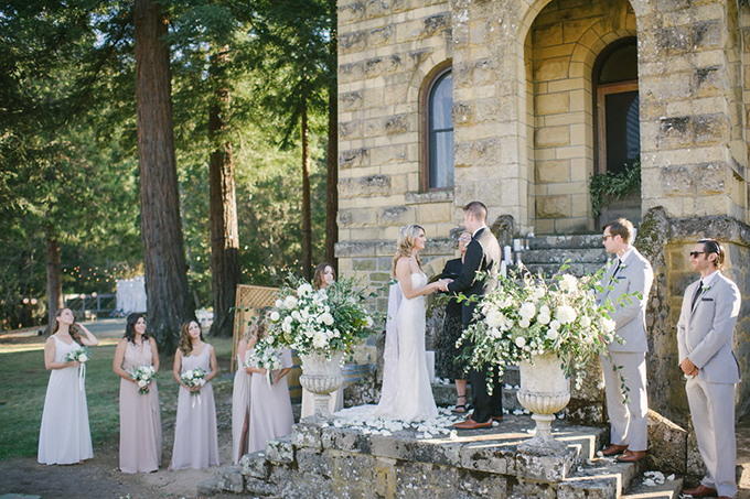 romantic Napa Valley estate wedding | Jordan Weiland Photography | Glamour & Grace-16
