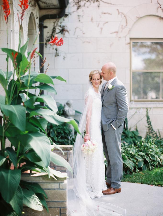romantic candlelit wedding | Ashley Crawford Photography | Glamour & Grace-21