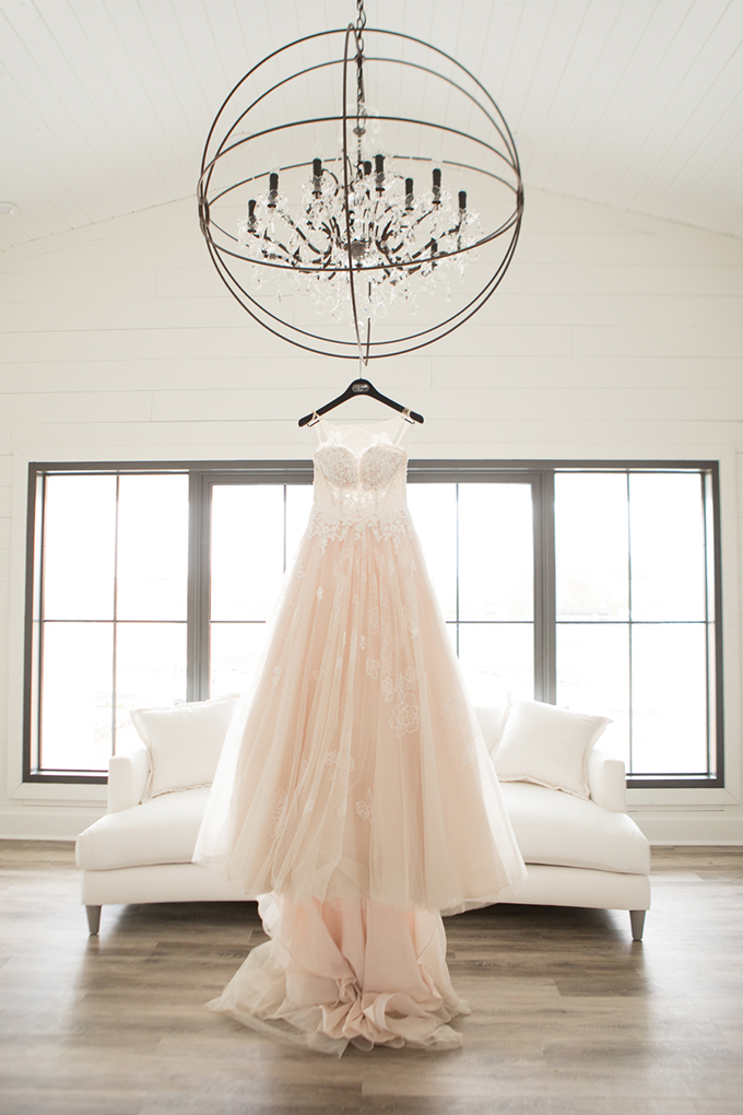 timeless farmhouse wedding inspiration   JW Baugh Photography   Glamour & Grace-01