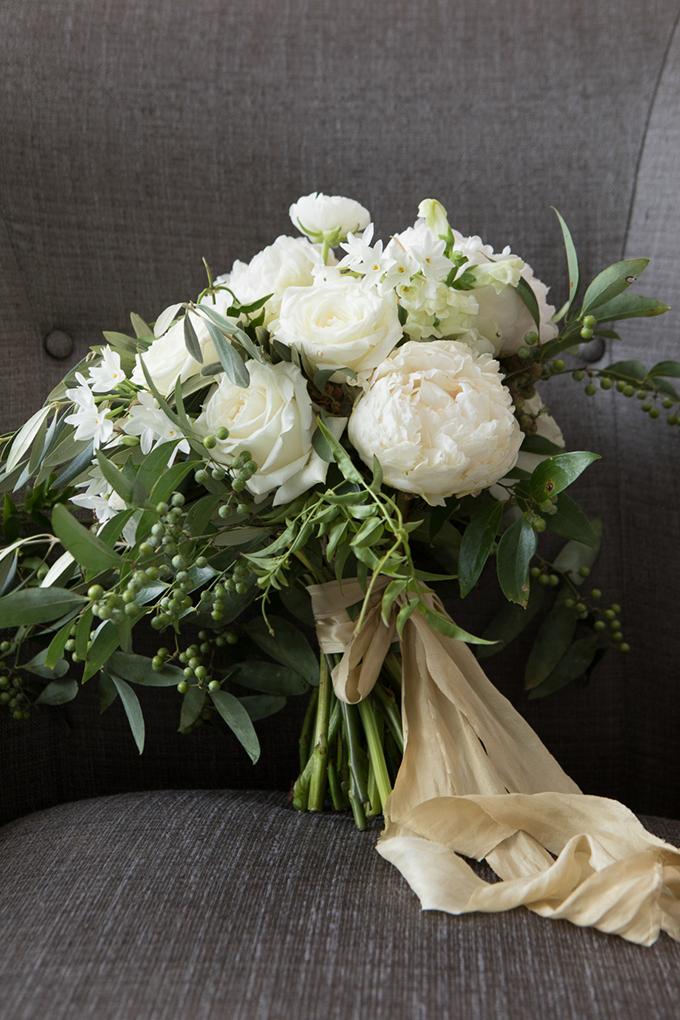 timeless farmhouse wedding inspiration | JW Baugh Photography | Glamour & Grace-04