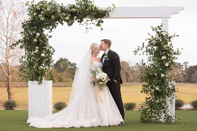 timeless farmhouse wedding inspiration   JW Baugh Photography   Glamour & Grace-21