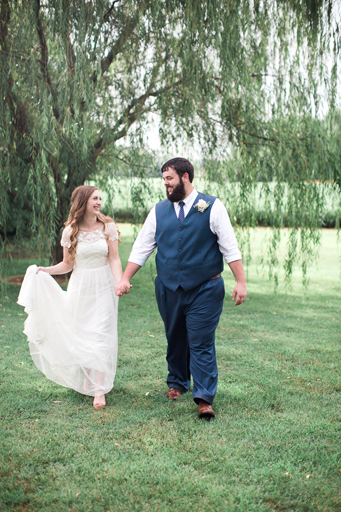 vintage barn wedding | Lindsay Campbell Photography | Glamour & Grace-19