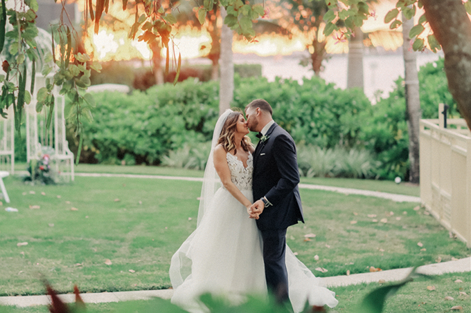 romantic elegant Florida wedding | Binary Flips | Glamour & Grace-23