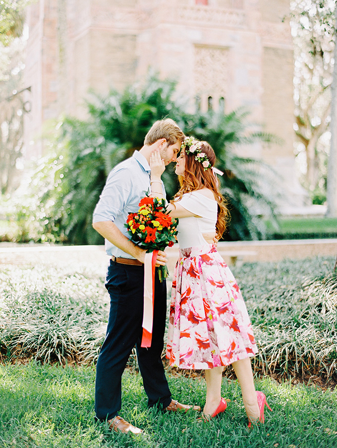 floral engagement session | Tara Libby Photography | Glamour & Grace