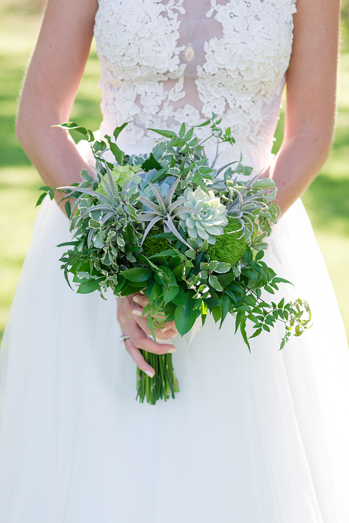 green bouquet | Eureka Photography | Glamour & Grace