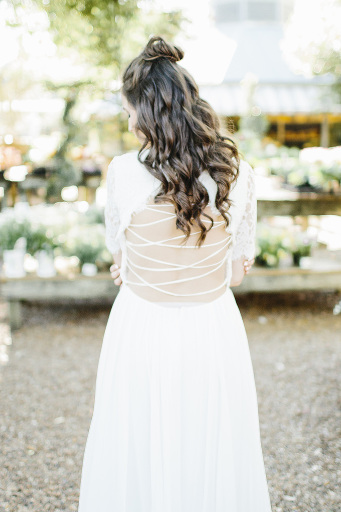 minimalist garden wedding inspiration | Shelby Tsika Photography | Glamour & Grace