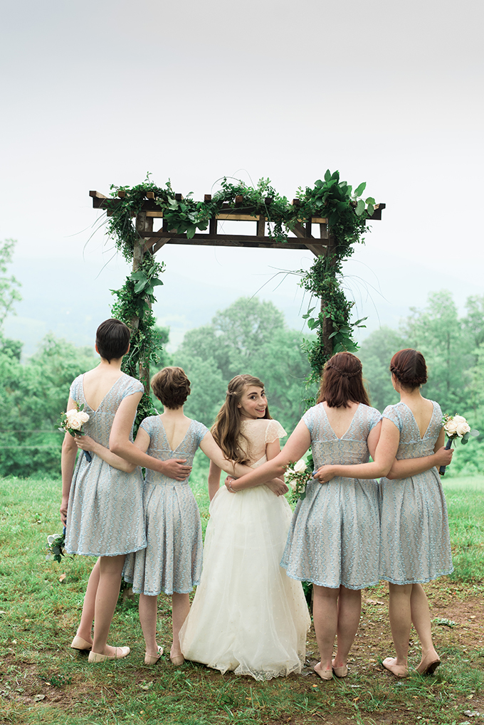 intimate woodland wedding | 3 Cats Photo | Glamour & Grace