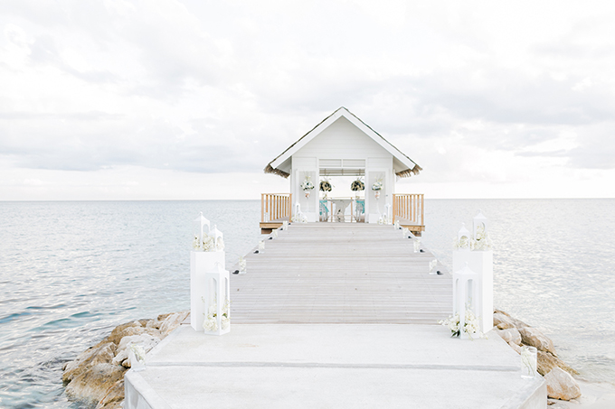 Sandals Weddings | Alexis June Weddings | Glamour & Grace