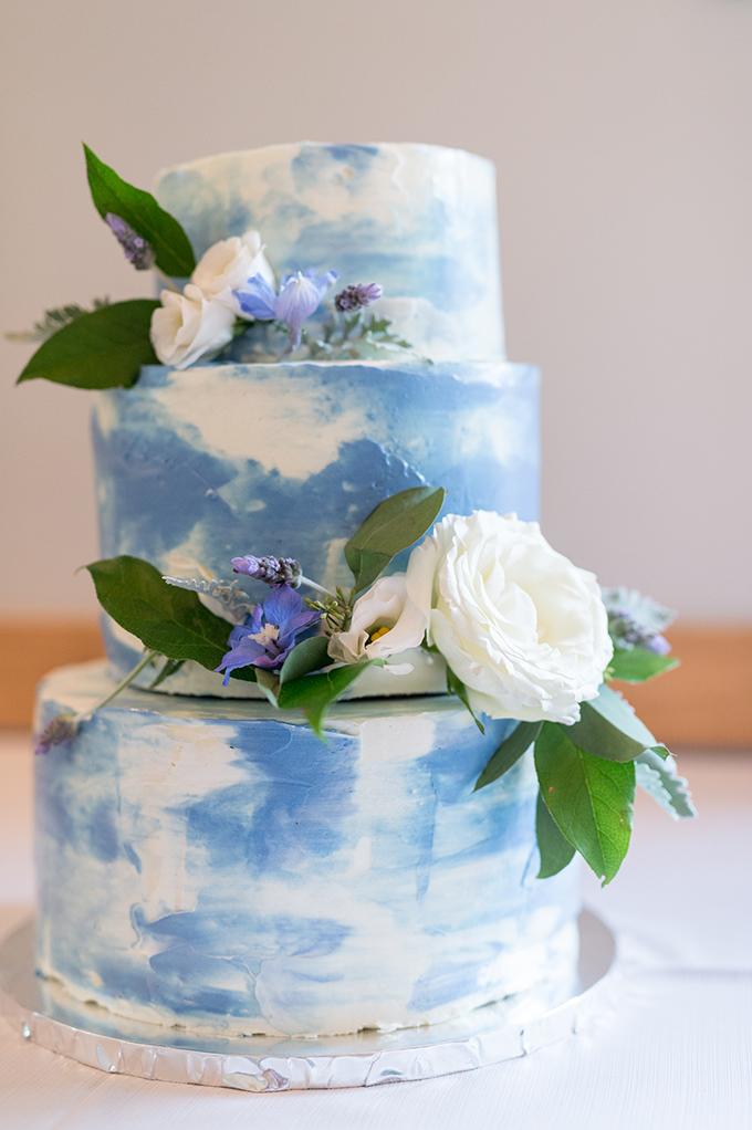 sweet pastel mountain wedding   Laura Barnes Photo   Glamour & Grace