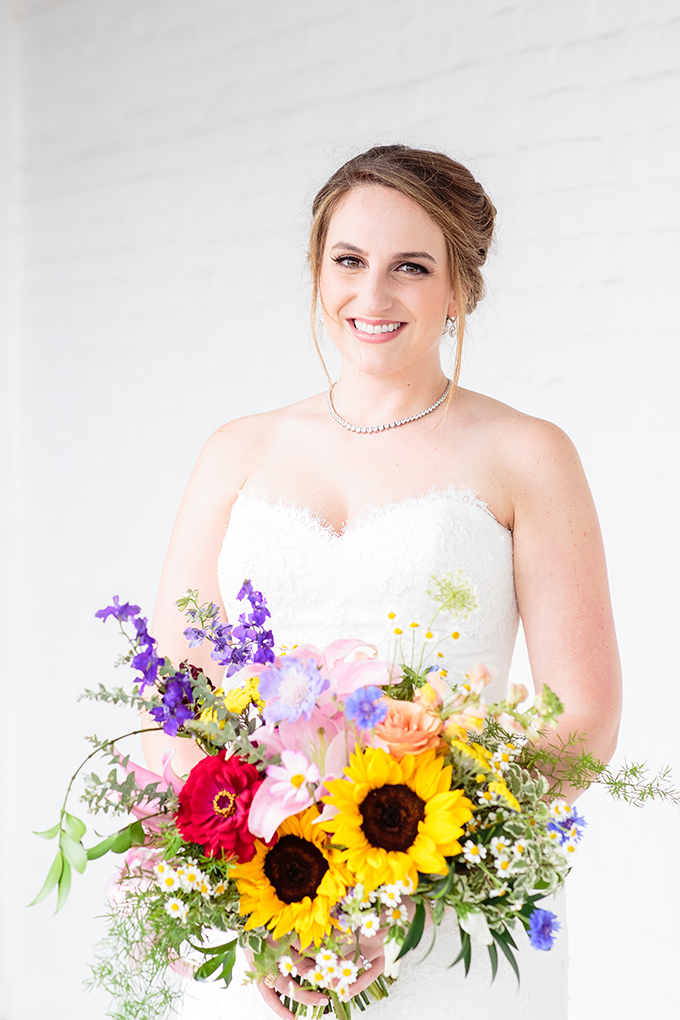 wildflower bridal bouquet | Erin Lee Allender Photography | Glamour & Grace