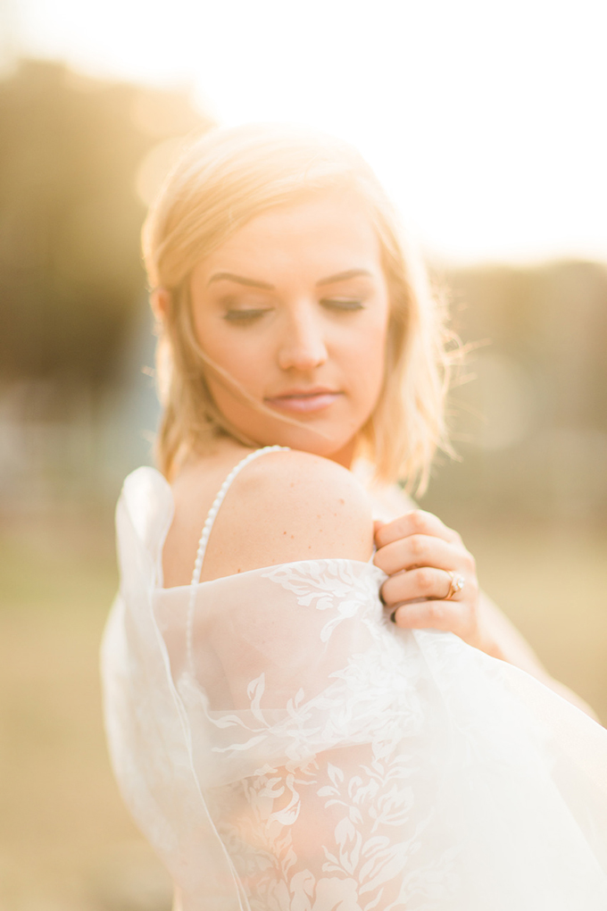 summer coral wedding ideas | The Cotton Collective | Glamour & Grace