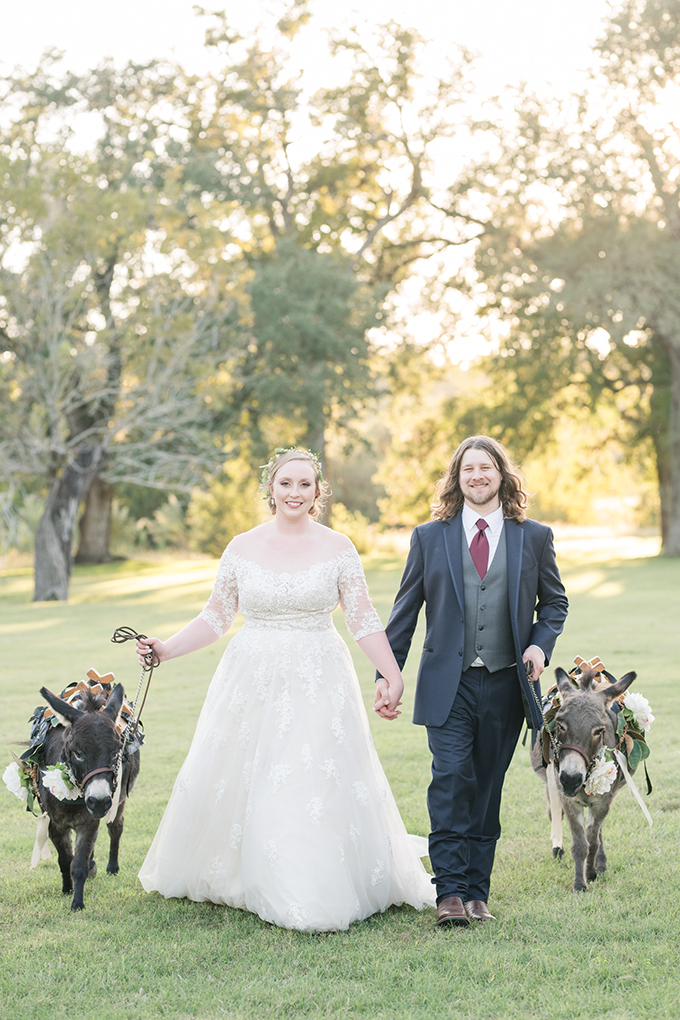 burgundy Texas ranch wedding   Eureka Photography   Glamour & Grace