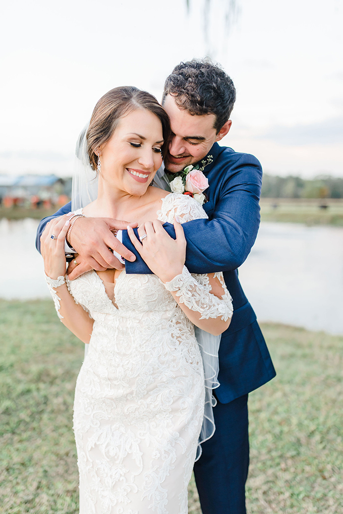 red rustic barn wedding   Jen House Photography   Glamour & Grace
