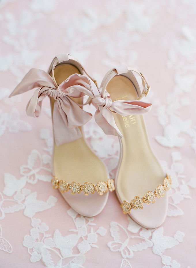 pink Bella Bella wedding shoes | The Happy Bloom | Glamour & Grace