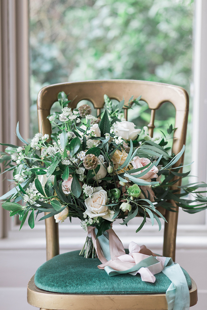 romantic vintage estate wedding ideas | Claire Graham | Glamour & Grace