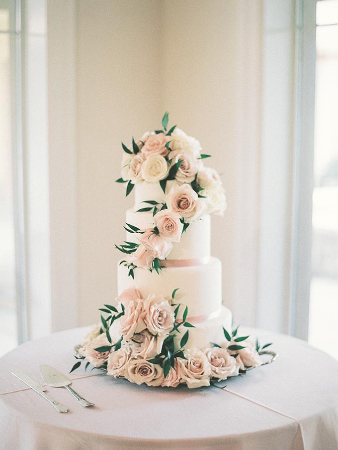 blush garden wedding | Caroline Maxcy Photography | Glamour & Grace