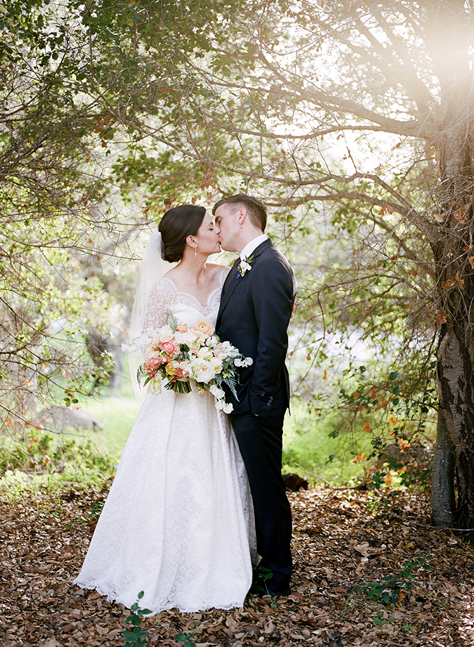 peach wedding with heirloom wedding dress | Anna Delores Photography | Glamour & Grace