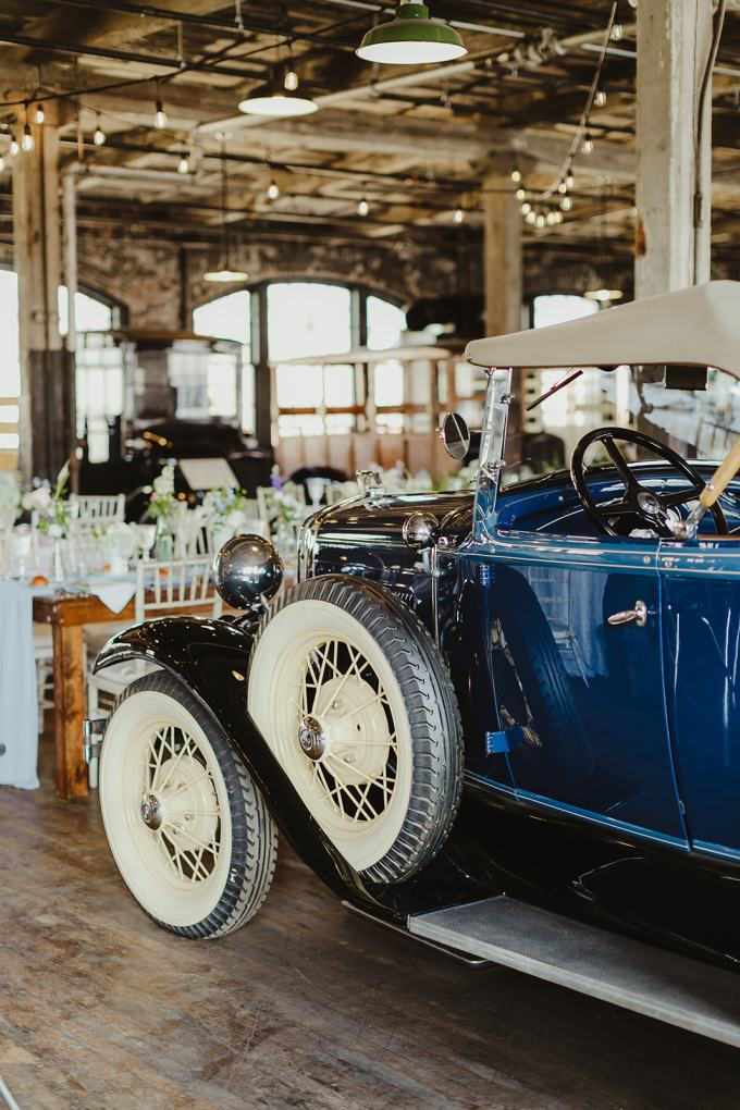 vintage Detroit wedding | Jill DeVries Photography | Glamour & Grace