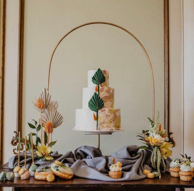 Wedding Cake Arch