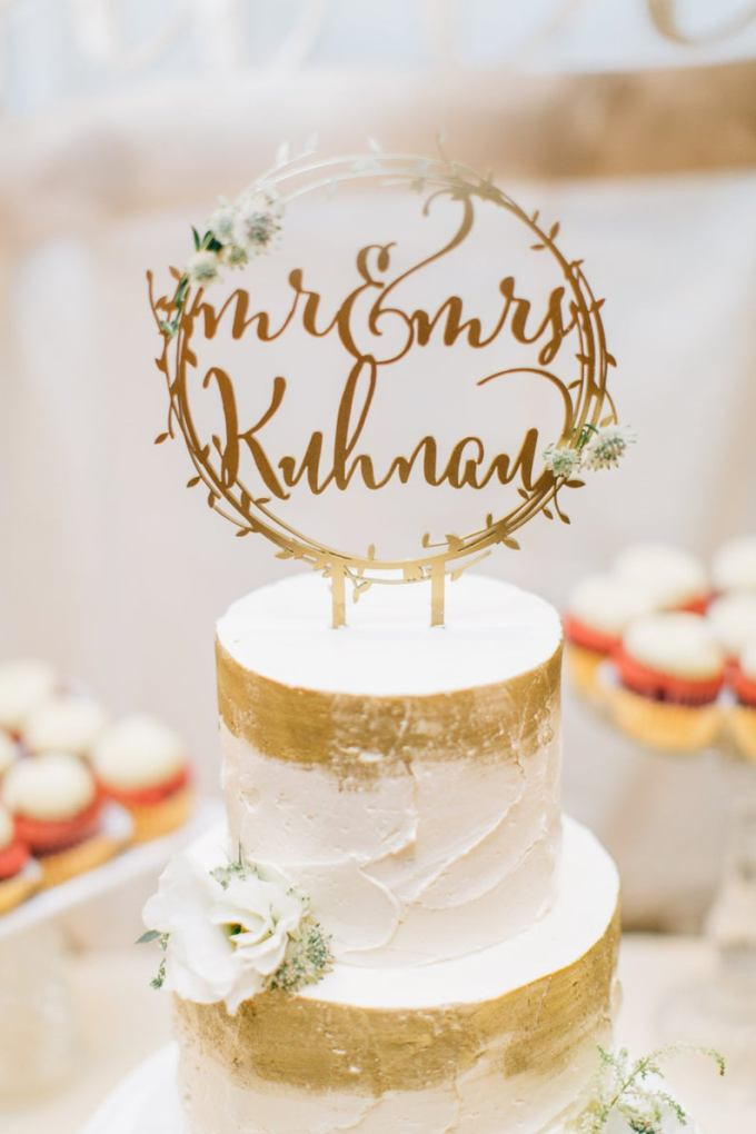 Gold Wreath Wedding Cake Topper