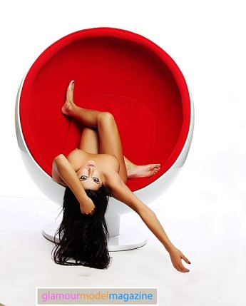 Denver Glamour Model Camila in the famous egg chair