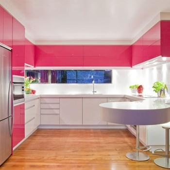 Saiba como escolher a cor dos móveis planejados da cozinha