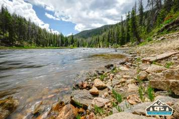 CO River flowing near Arapaho Bay, CO.