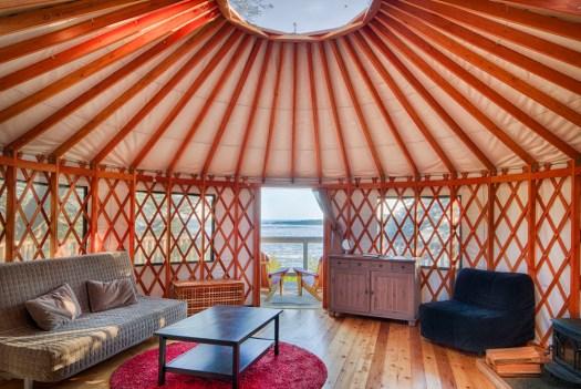 yurt1_interior