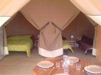 Chambres tente lodge 4 pers. au glamping Camping La Castillonderie à Montignac-Thonac en Aquitaine