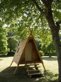 Extérieur de la cabadienne au glamping Camping de Rodaven à Chateaulin en Bretagne