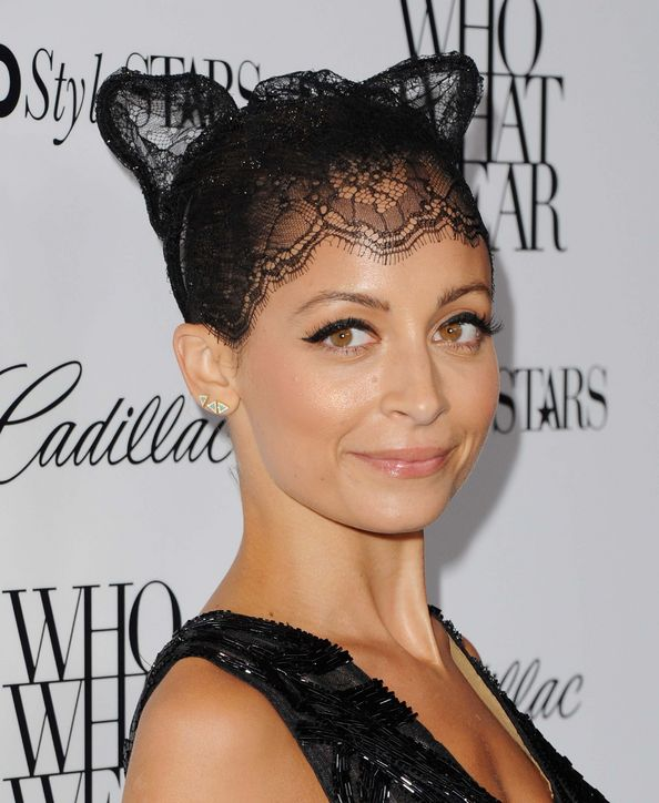 nicole-richie-cat-ear-hair-accessory